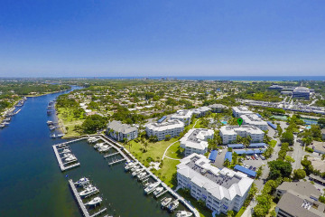 Home for Sale at 812 Bay Colony Drive S #812, Juno Beach FL 33408