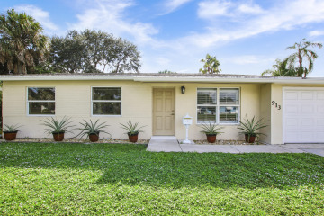 Home for Sale at 913 Lighthouse Drive, North Palm Beach FL 33408