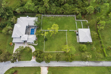 Home for Sale at 6690 NW 67th Place, Parkland FL 33067