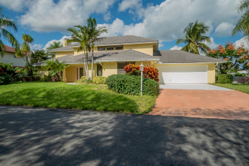 Home for Sale at 9079 SE Hawksbill Way, Hobe Sound FL 33455