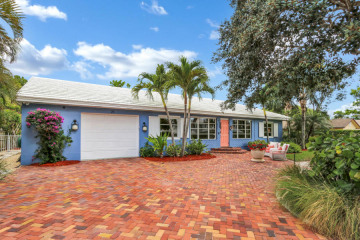 Home for Sale at 25 NE 10th Street, Delray Beach FL 33444