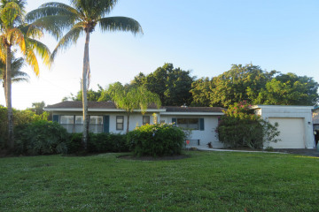 Home for Sale at 821 Cinnamon Road, North Palm Beach FL 33408