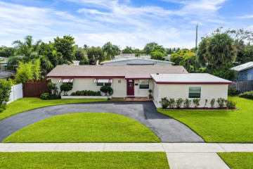 Home for Sale at 416 Lighthouse Drive, North Palm Beach FL 33408