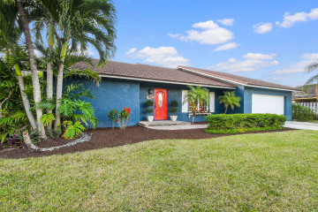 Home for Sale at 117 Pinehill Trail W, Tequesta FL 33469