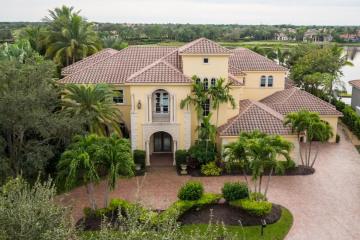 Home for Sale at 112 Via Palacio, Palm Beach Gardens FL 33418