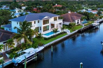 Home for Sale at 2389 Azure Circle, Palm Beach Gardens FL 33410