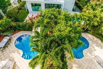 Home for Rent at 290 Fernwood Road #292, Key Biscayne FL 33149