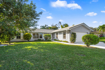 Home for Sale at 37 Poplar Road N, Tequesta FL 33469