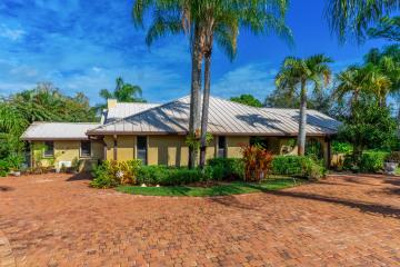 Home for Sale at 4341 SW Bimini Circle N, Palm City FL 34990