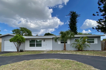 Home for Sale at 4010 NE 2nd Terrace, Deerfield Beach FL 33064