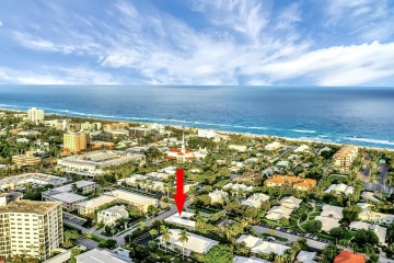 Home for Sale at 100 Venetian Drive #5, Delray Beach FL 33483