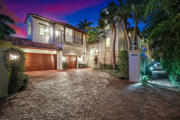 Home for Sale at 18899 SE Jupiter Inlet Way, Tequesta FL 33469
