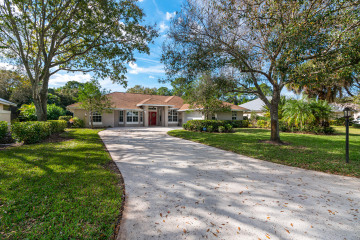 Home for Sale at 2111 SW Danforth Circle, Palm City FL 34990