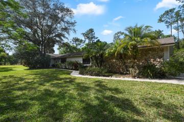 Home for Sale at 17427 Jupiter Farms Road, Jupiter FL 33478