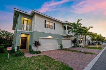 Home for Sale at 1872 Juno Landing Lane #12, Juno Beach FL 33408
