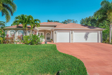 Home for Sale at 445 SW Dalton Circle, Port Saint Lucie FL 34953