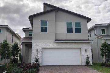 Home for Sale at 1140 Veleiros Boulevard #257, Deerfield Beach FL 33064