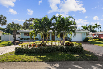 Home for Sale at 2110 NE 34 Street, Lighthouse Point FL 33064