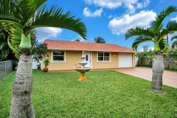 Home for Sale at 4996 Constantine Circle, Greenacres FL 33463