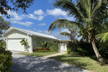 Home for Rent at 318 Fairway N, Tequesta FL 33469