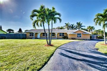 Home for Sale at 648 Kingbird Circle, Delray Beach FL 33444