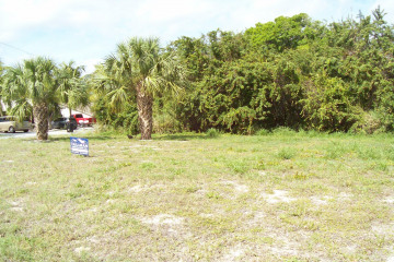 Home for Sale at 000 SE Parkway Drive, Hobe Sound FL 33455