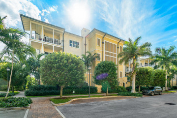 Home for Rent at 3930 N Flagler Drive #202, West Palm Beach FL 33407