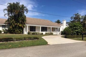 Home for Sale at 15 El Portal Drive, Tequesta FL 33469