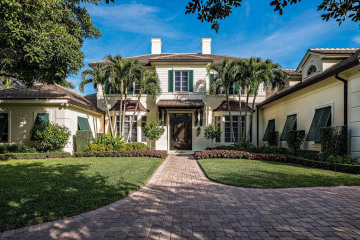 Home for Sale at 1112 Banyan Estates Drive, North Palm Beach FL 33408