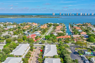 Home for Sale at 210 Mariner Court #14, North Palm Beach FL 33408
