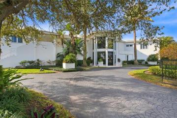 Home for Sale at 36 Rio Vista Drive, Stuart FL 34996