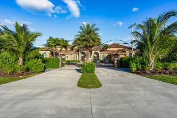 Home for Sale at 18395 SE Federal Highway, Tequesta FL 33469