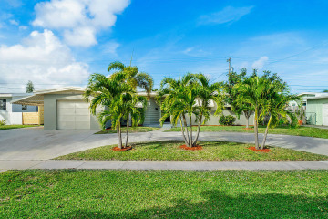 Home for Sale at 737 Eagle Way, North Palm Beach FL 33408