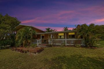 Home for Sale at 9231 SE Duncan St Street #9231- 9251, Hobe Sound FL 33455