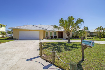 Home for Sale at 8396 SE Palm Street, Hobe Sound FL 33455