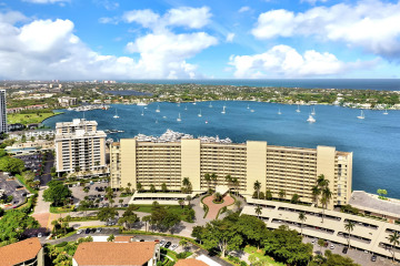 Home for Sale at 136 Lakeshore Drive #311, North Palm Beach FL 33408