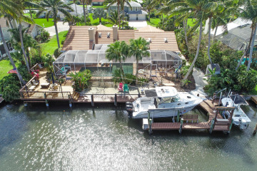 Home for Sale at 8511 SE Driftwood Street, Hobe Sound FL 33455