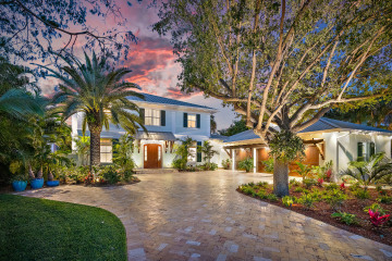 Home for Sale at 12064 Edgewater Drive, Palm Beach Gardens FL 33410
