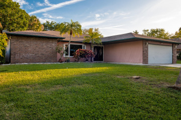 Home for Sale at 8612 SE Duncan Street, Hobe Sound FL 33455