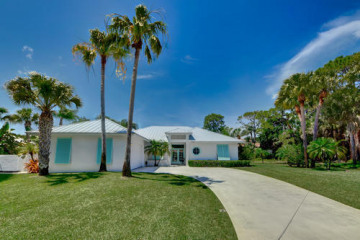 Home for Sale at 8523 SE Wilkes Place, Hobe Sound FL 33455