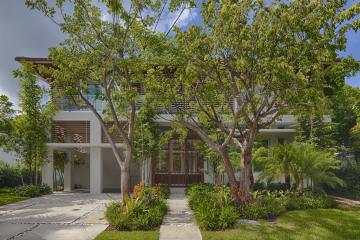 Home for Sale at 300 W Enid Dr, Key Biscayne FL 33149