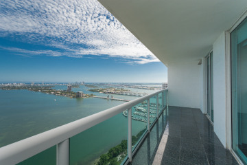 Home for Sale at 1800 N Bayshore Dr #4009 #4009, Miami FL 33132