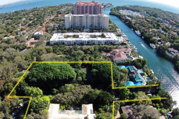 Home for Sale at 200 Edgewater Dr, Coral Gables FL 33133