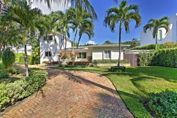 Home for Sale at 371 W Palmwood Ln, Key Biscayne FL 33149
