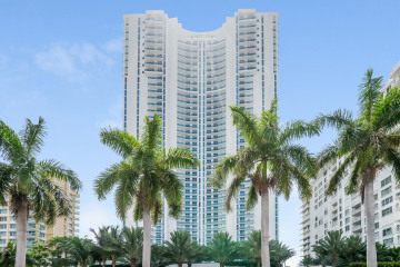 Home for Sale at 2711 S Ocean Dr #3803 #3803, Hollywood FL 33019