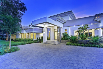 Home for Sale at 6800 SW 112 St, Pinecrest FL 33156