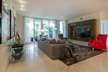 Home for Sale at 731 Crandon Blvd Unit 308, Key Biscayne FL 33149