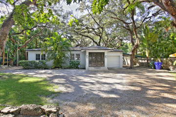 Home for Sale at 2930 Seminole St, Coconut Grove FL 33133