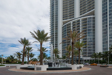 Home for Sale at 18101 Collins Av #3309, Sunny Isles Beach FL 33160