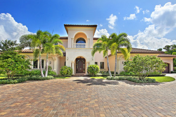 Home for Sale at 7352 Stonegate Blvd, Parkland FL 33076